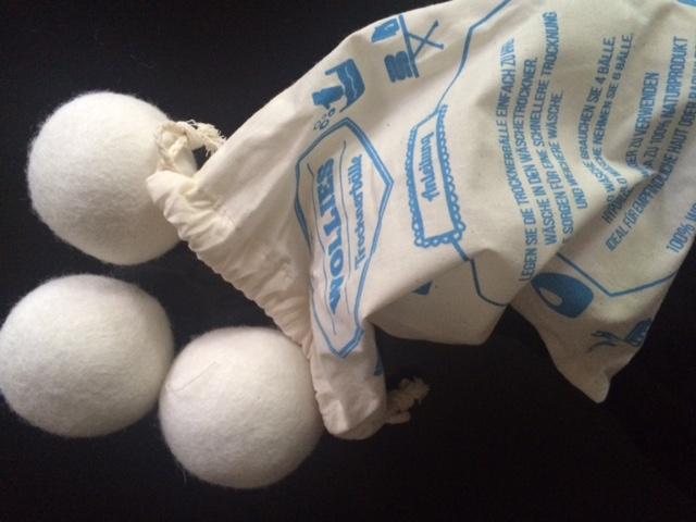 Trocknerbälle aus schurwolle im test waschtraum pflegetipps