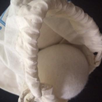 Trocknerball aus Schurwolle